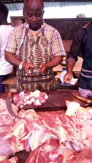 See What A Meat Seller Was Spotted Doing That Has Gone Viral (Photos)